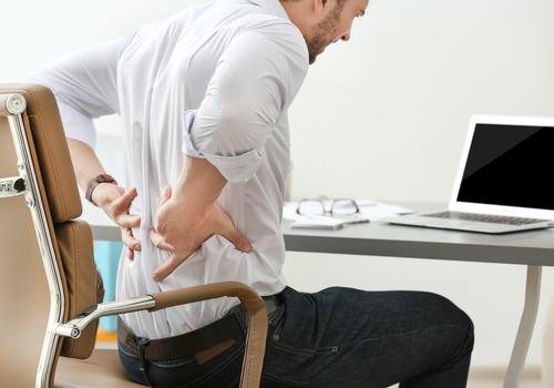 プログラマーの腰痛を防ぐ・治すための8つのアイテム!